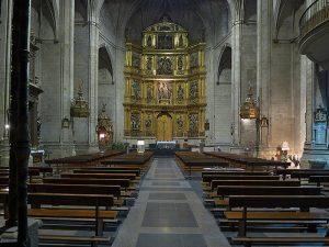 Interior de la Iglesia de Santiago el Real